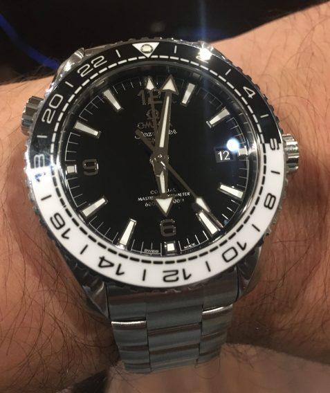 Omega Seamaster Planet Ocean GMT 215.30.44.22.01.001 © 2017 Adam Brown