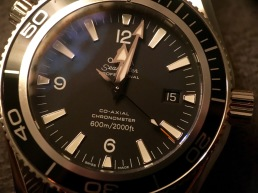 Omega Seamaster Planet Ocean 2201.5 © 2017 Adam Brown